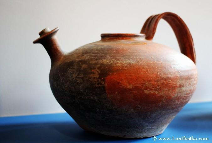 Pieza de cerámica antigua