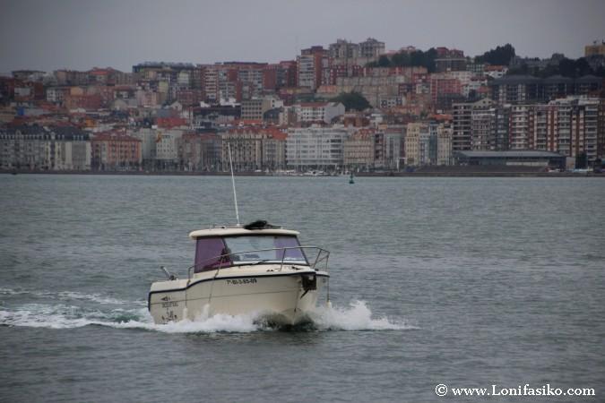 Pedreñera en la bahía de Santander