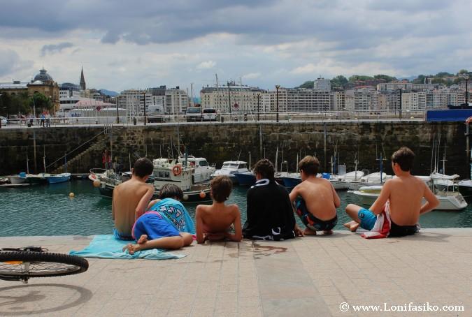 Cuadrilla de jóvenes en Euskadi