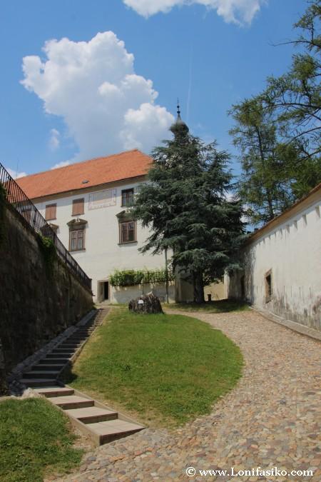 Castillo de Ptuj: Acceso a la casa-palacio
