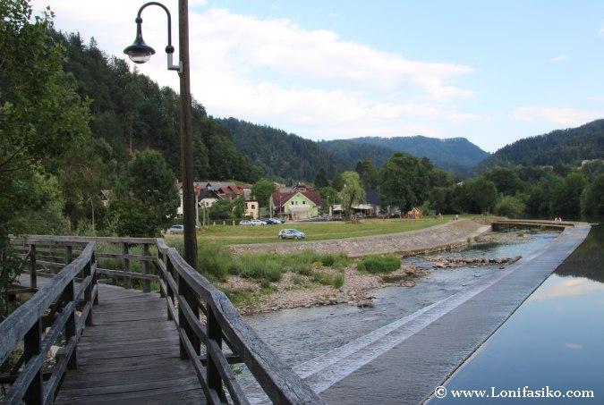 Zona de baño en el río en Škofja Loka