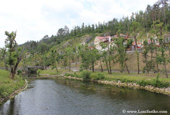 Postojna Cueva río Pivka