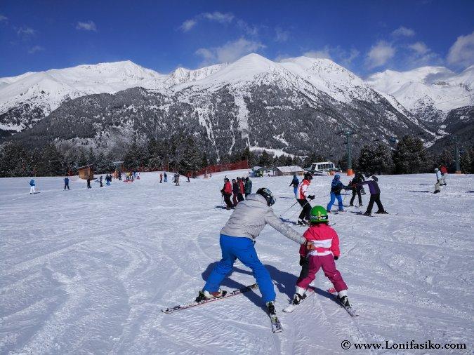 Andorra con niños: Aprender a esquiar