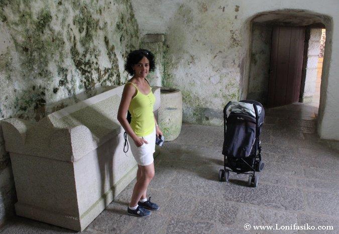 Castillo Predjama con niños