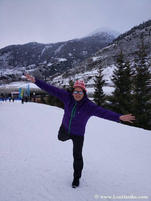 Jugar en la nieve fotos