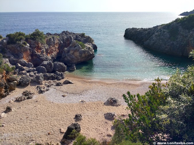 akuarium beach livadhi albania playas riviera albanesa