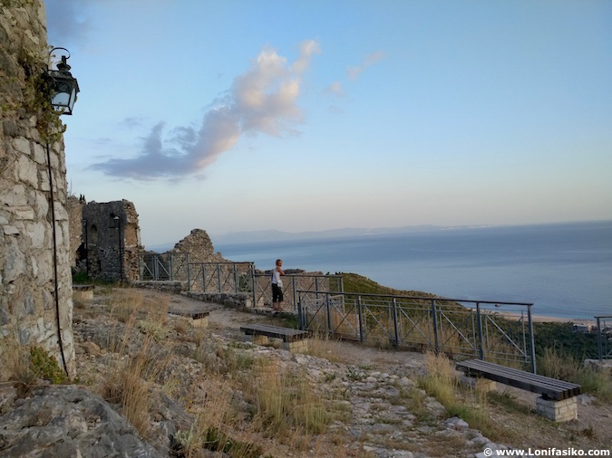 himare castilo ruinas riviera albanesa