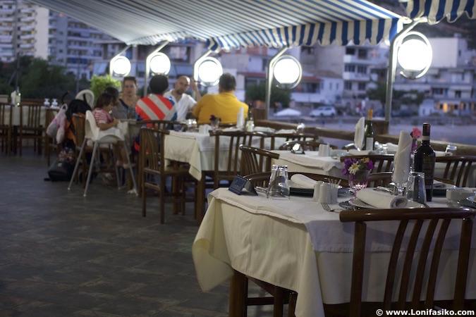 riviera albanesa restaurantes himare