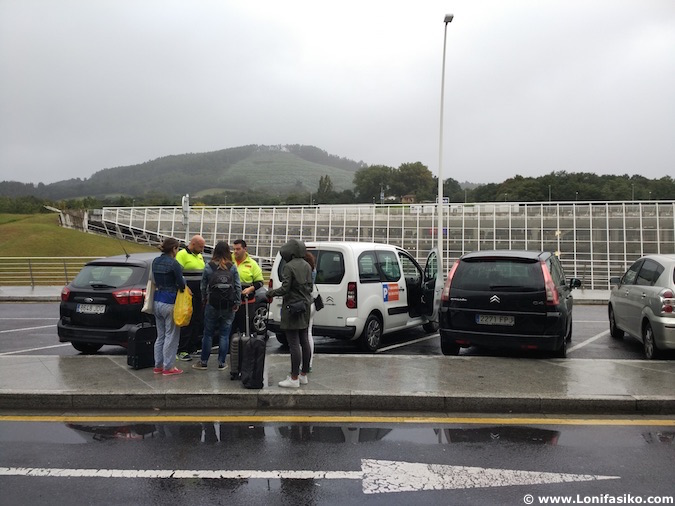 parking lowcost aeropuerto bilbao aparcamiento parkaereo