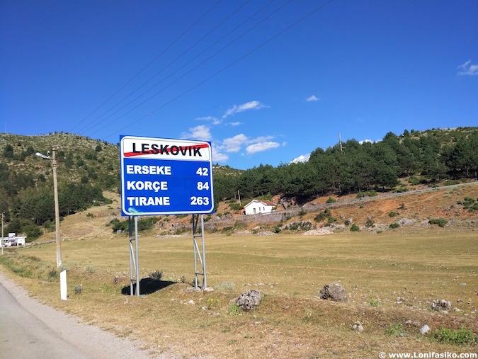 viaje en coche por albania