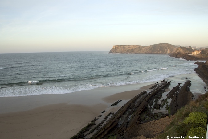 comillas playas flysch geologia