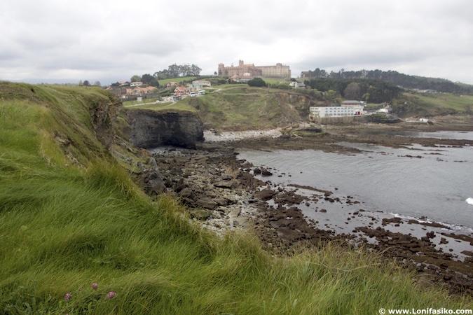 Ruta costera en Comillas (Cantabria)