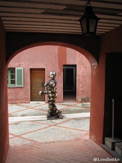 "Escultura ""El Hombre de Piedra"""