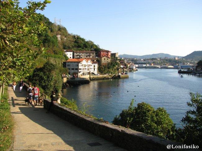 Paseo de Bonanza en la bocana del puerto de Pasaia - Pasajes