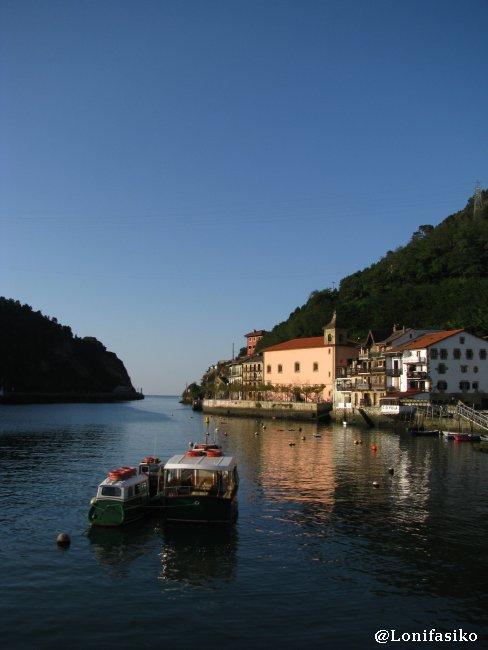 Estampa de Pasai Donibane y bocana del puerto de Pasaia-Pasajes