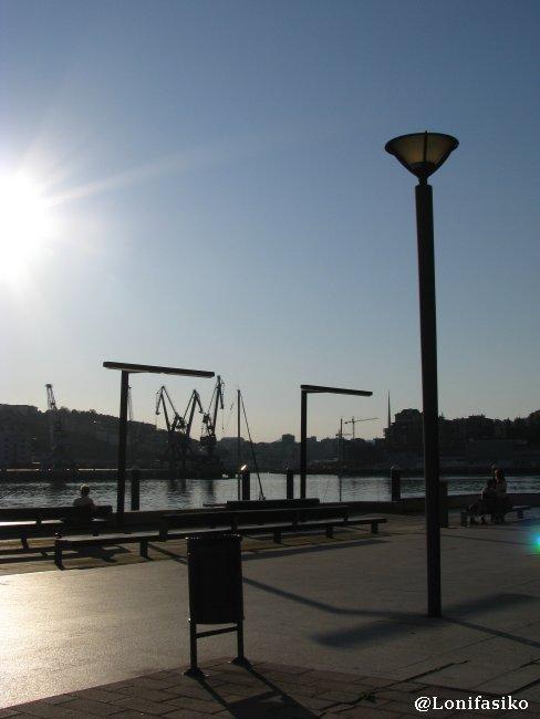Espacio recovertido con vistas al puerto de Pasaia