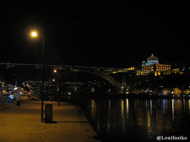 Riberas del Douro y puente Don Luis I en Oporto
