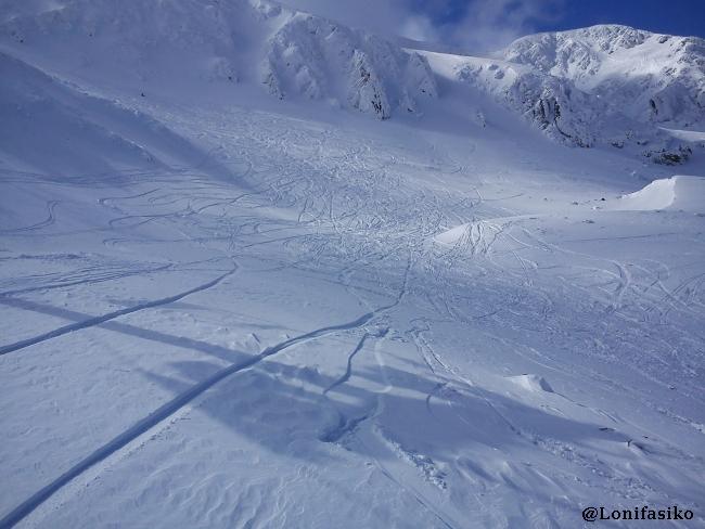 Esquiar en nieve virgen en Valdezcaray