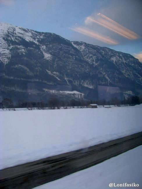 El tren Munich-Innsbruck circula entre valles rodeados de monañas
