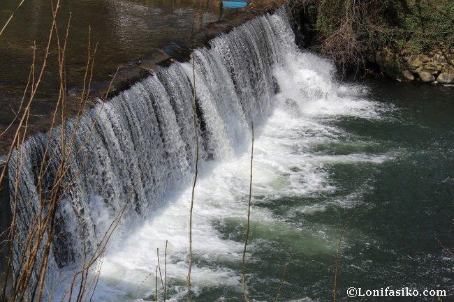 Salto de agua del río Urola