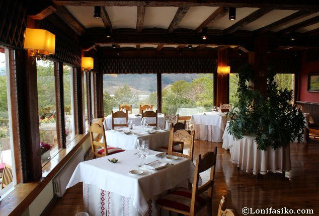 Comedor principal del Restaurante Andra Mari en Galdakao