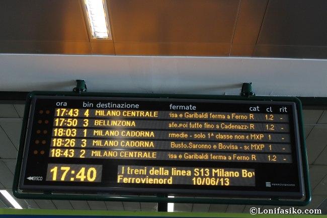 Pantalla informativa de horarios y andenes del Malpensa Express