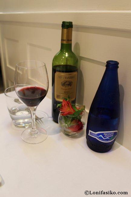 Vino tinto crianza de Rioja que degustamos en el Restaurante La Muralla