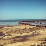 Corrales de pesca y la pedregosa Playa de las Canteras de Chipiona