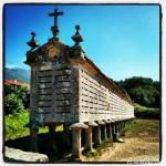 Hórreo de Carnota, uno de los más grandes de Galicia