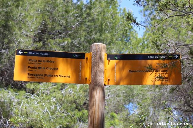 Señalización ruta senderismo Cami de Ronda Tarragona Castell Tamarit
