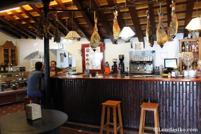 Barra del bar del Restaurante Ventorrillo del Carbón