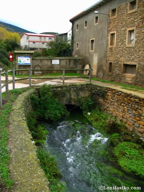 Antiguo molino camino al nacedero del río Queiles