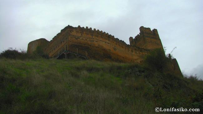 Castillo de Vozmediano, el más oriental de Soria, cuyo origen se remonta al Siglo XII