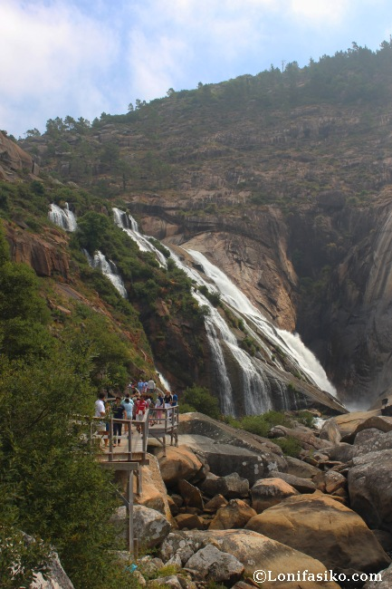 Camino de la cascada del Ézaro con niños