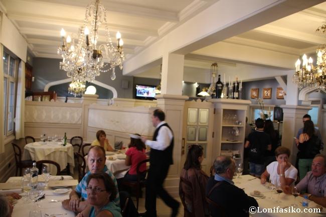 Comedor principal del Restaurante Kai-Alde de Santurtzi