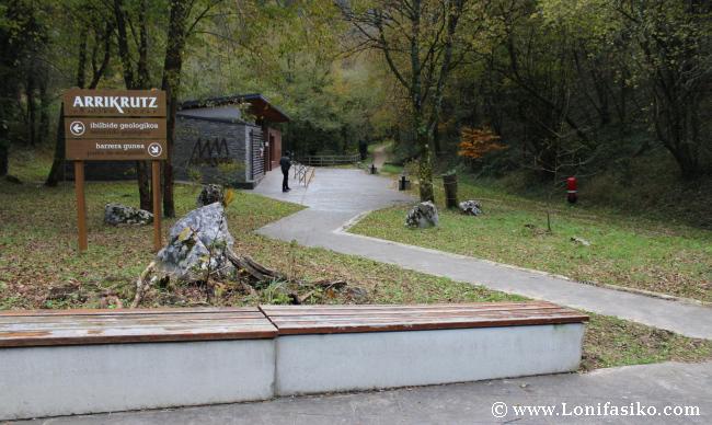 Centro interpretación Cuevas de Arrikrutz en Oñati