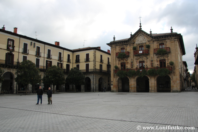 Plaza y ayuntamiento de Oñati Oñate