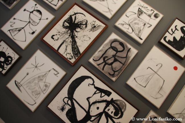 Dibujos y pinturas varias de Joan Miró
