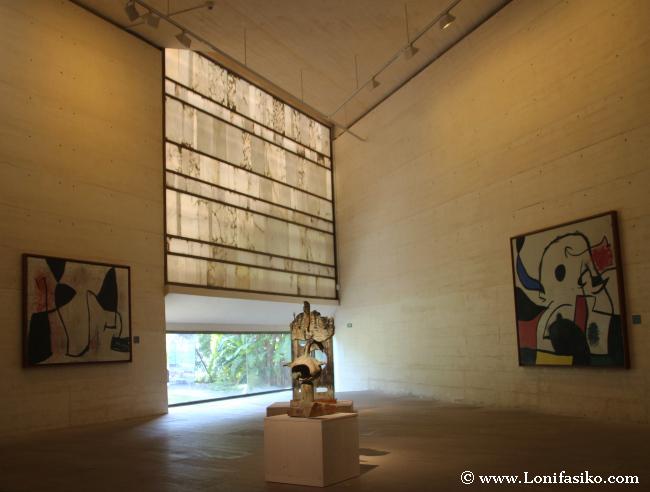 Espacios diáfanos y muy amplios en el edificio de Rafael Moneo