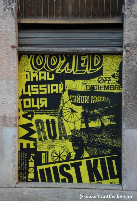 Puertas decoradas, el color amarillo predomina en la iniciativa de Ses Voltes