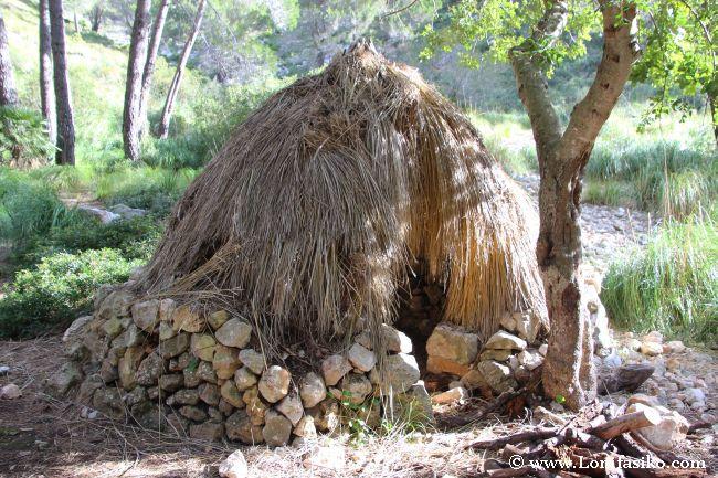 Chabola-vivienda de los carboneros que trabajaban en la zona de Galatzó
