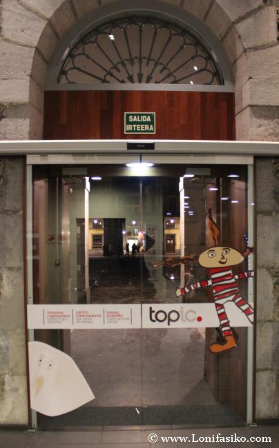 Entrada a Topic, centro internacional del títere de Tolosa