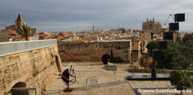 Vistas de la Catedral de Palma desde la terraza del museo Es Baluard