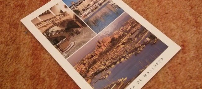 Postales, un souvenir típico de viaje