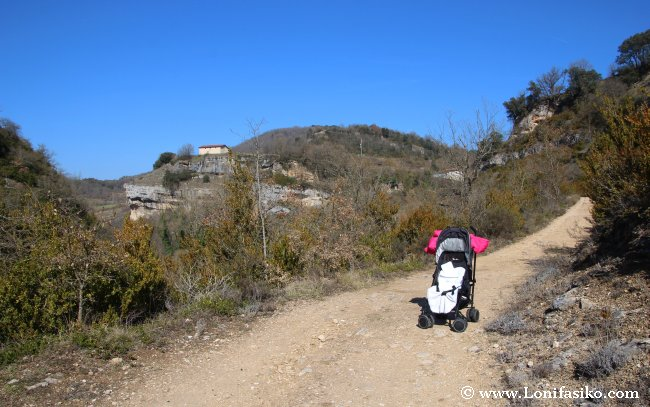 Senderismo en familia en el parque natural de Izki