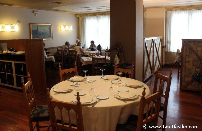 Vista del comedor principal del restaurante Kobika