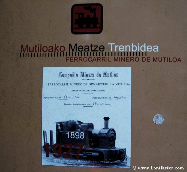 Panel de la vía verde y antiguo ferrocarril minero de Mutiloa-Ormaiztegi
