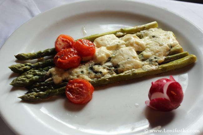 Comer en el Lago Bohinj