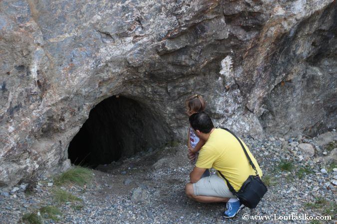 Cavidades en los aledaños de las minas de Arditurri