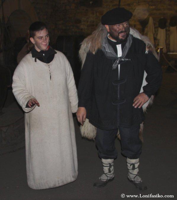 Olentzero y su ayudante en la ferrería de Mirandaola